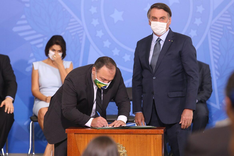 Maioria dos brasileiros reprovam atuação de Bolsonaro no combate ao coronavírus