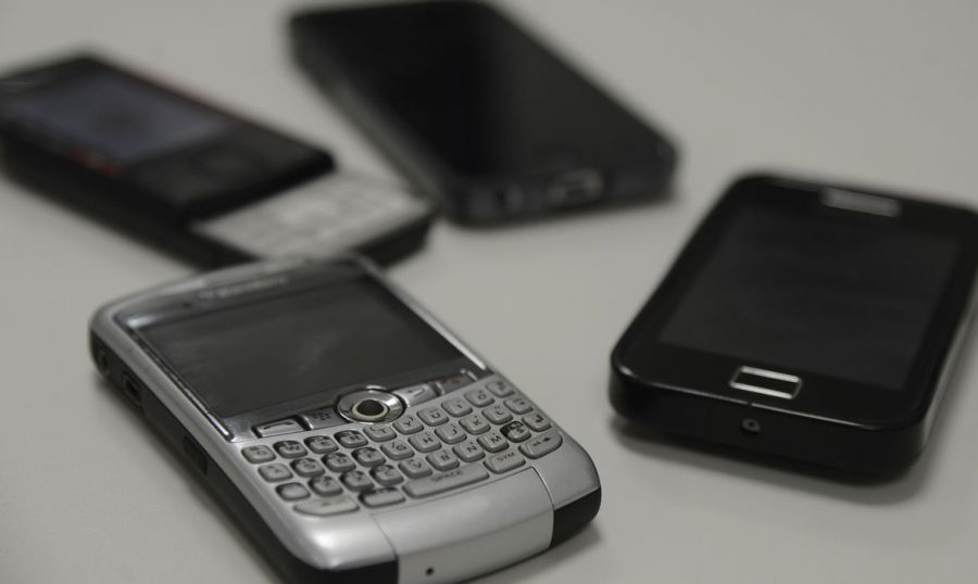 STF pede 'perícia imediata' em celulares encontrados com Daniel Silveira na cadeia