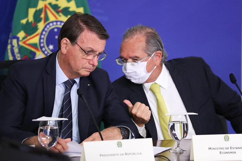 Petrobras: Bolsonaro diz que preço da gasolina pode cair 15%