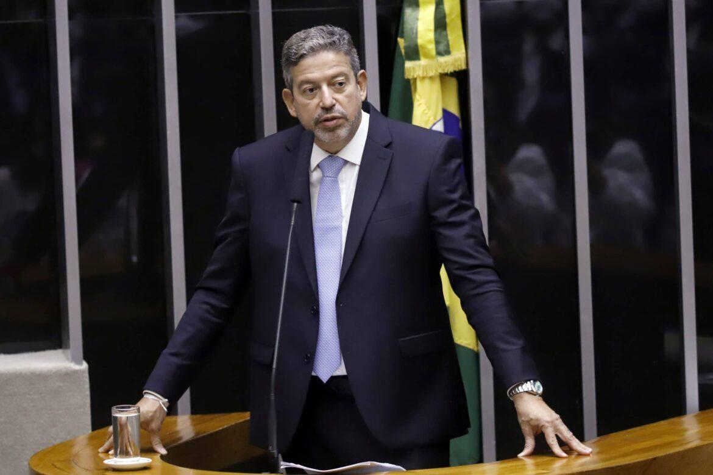 Lira oferece cassação de Daniel Silveira à ministros do STF