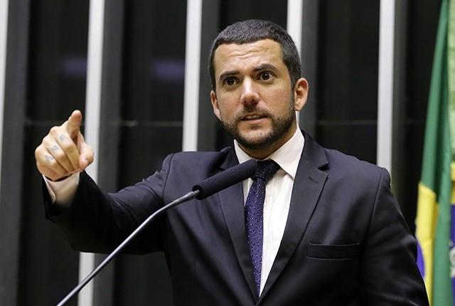 'Vagabundo': deputado do PSL xinga ministro do STF após prisão de Daniel Silveira