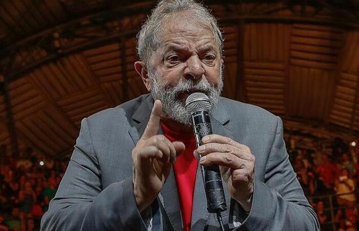 Coletiva Lula