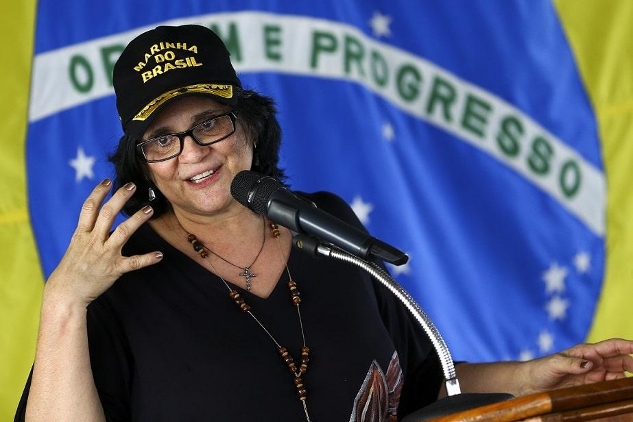 """Bolsonaro sofrerá """"tsunami"""" de denúncias internacionais, diz colunista"""