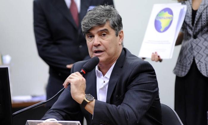 Filho e mulher de 'líder' do centrão ganham cargos no governo Bolsonaro