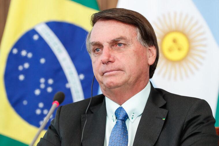 Pesquisa Atlas: Bolsonaro teria dificuldades contra qualquer candidato em 2022