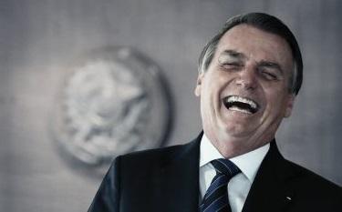 """Bolsonaro defende R$ 250 de auxílio : """"é auxílio, não é aposentadoria"""""""