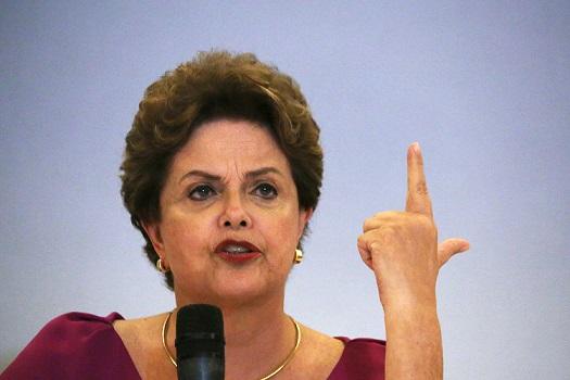Dilma publica texto atacando Ciro Gomes, Carlos Lupi e o PDT