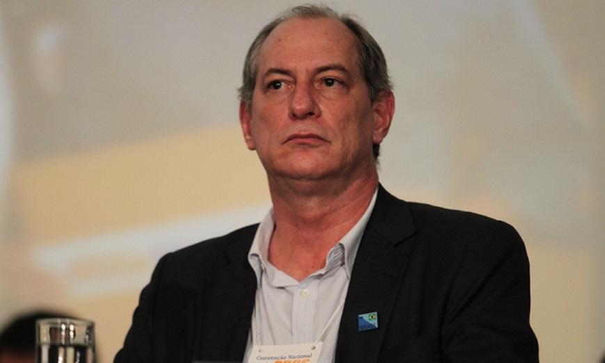 """""""Bolsonaro é cúmplice ou é corno"""", diz Ciro sobre 'roubalheira' em estatais"""