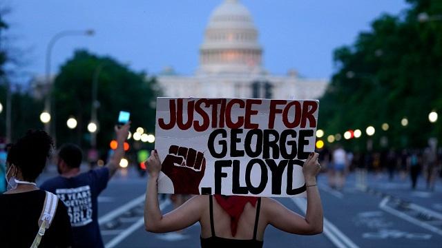 Milhares protestam nos EUA