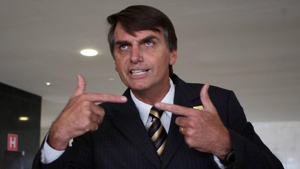 URGENTE: Bolsonaro está a beira do surto e Exército pode assumir situação