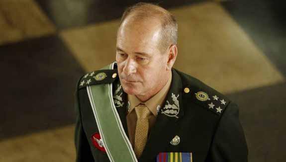Ministro da Defesa demissão