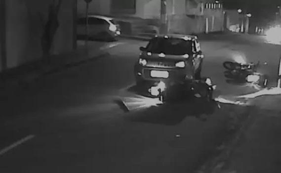 Em Belo Horizonte (MG), motorista bêbada atropela policiais; veja vídeo