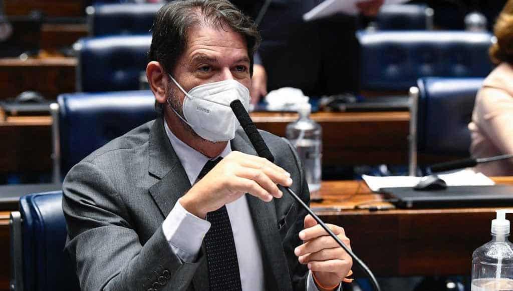 """Cid Gomes comemora instalação da CPI da Covid: """"Não podemos ficar sem respostas"""""""