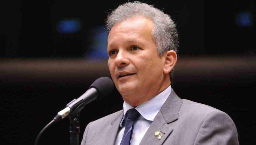 """André Figueiredo (PDT) parabeniza STF: """"Queremos enfrentar Lula nas urnas"""""""