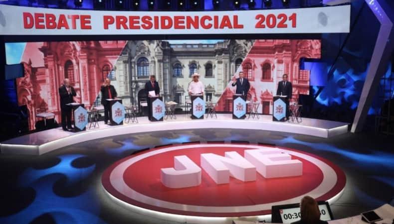 Eleições Peru: Cinco candidatos disputam vaga no 2º turno