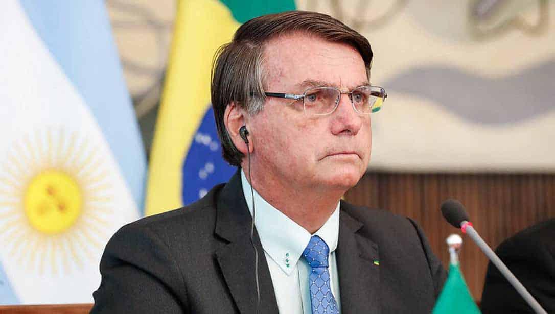 """Argentinos vão às ruas gritar 'Fora Bolsonaro': """"Perigo mundial"""""""