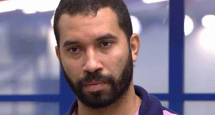 Ciro Gomes presta solidariedade ao ex-BBB Gil, vítima de homofobia
