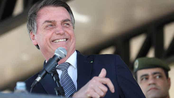 Em meio à CPI da Covid, Bolsonaro diz que voltou a tomar cloroquina