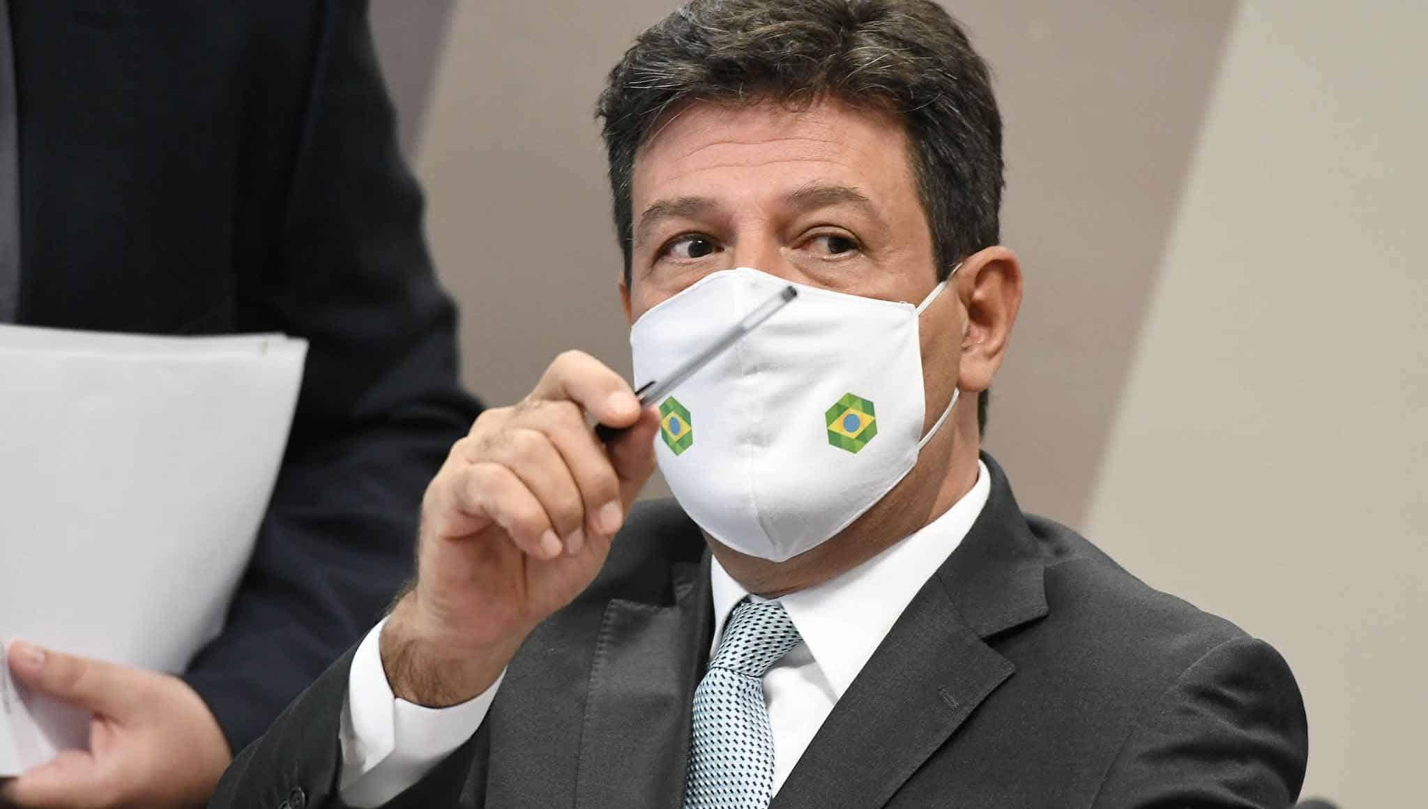Mandetta entrega 'carta-bomba' à CPI da Covid: 'Bolsonaro duvidou de projeções de mortes'