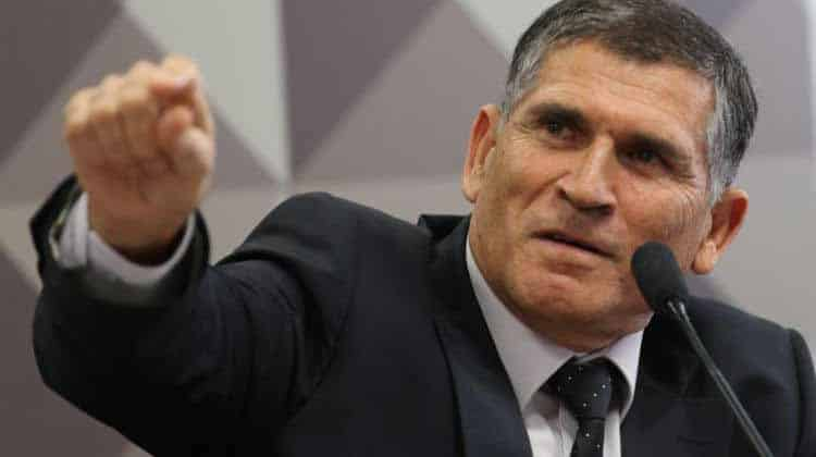 Bolsonaro cometeu estelionato eleitoral