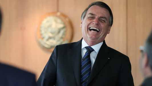 Bolsonaro ataca senador