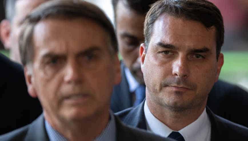 Flávio Bolsonaro deixa Republicanos