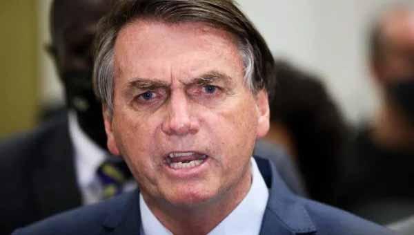 Bolsonaro detona isolamento social