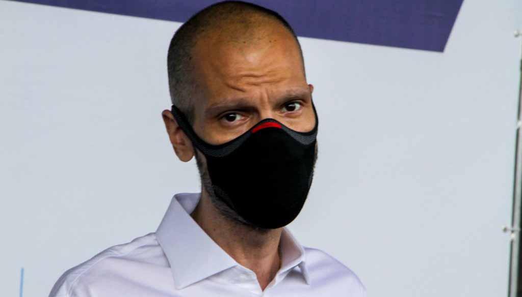 Um dia após se licenciar da prefeitura de SP, Bruno Covas é internado em UTI