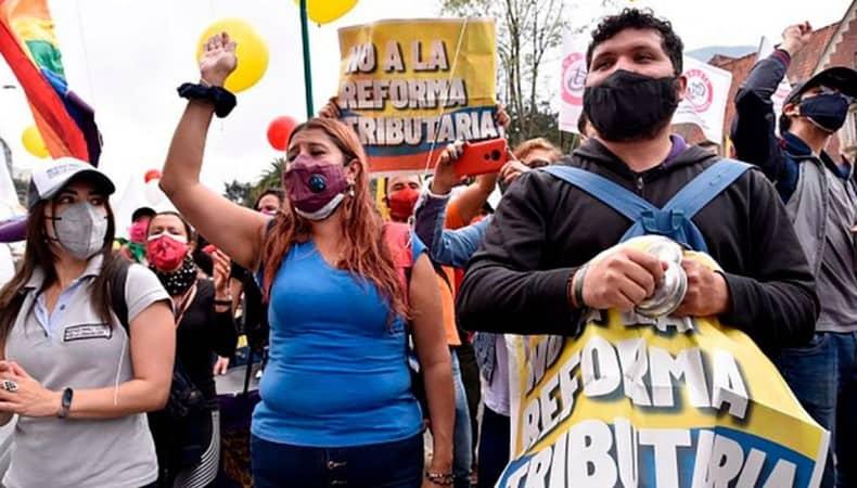 Colômbia: Após pressão popular, governo cancela Reforma Tributária