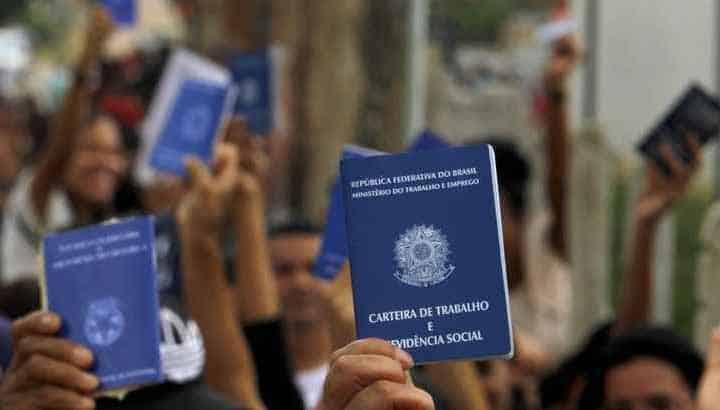 Desemprego bate recorde e atinge quase 15 milhões de brasileiros