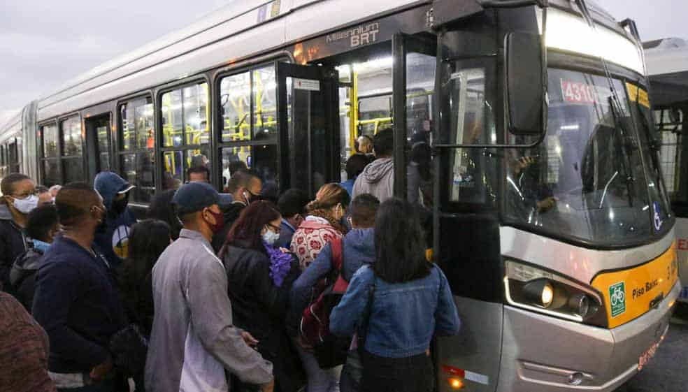 Trabalhadores decidem suspender greve do Metrô de SP