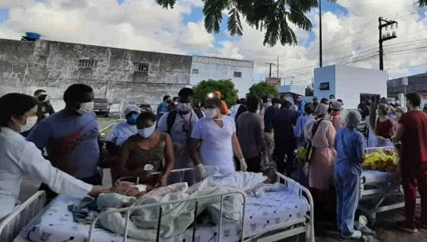 Fogo atinge ala para covid de hospital e incêndio deixa 4 mortos