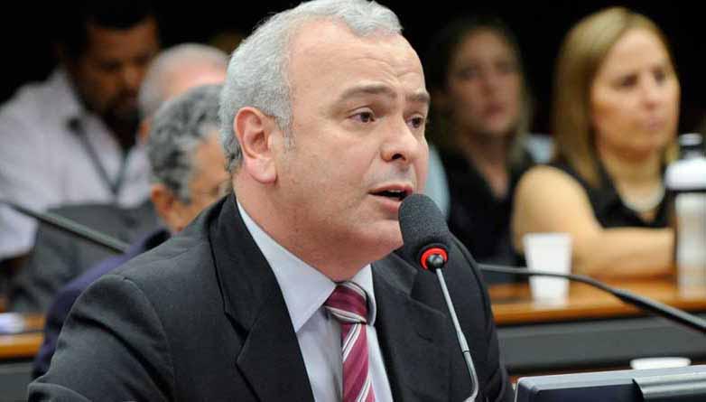 Deputado vai ao STF para impedir Copa América no Brasil
