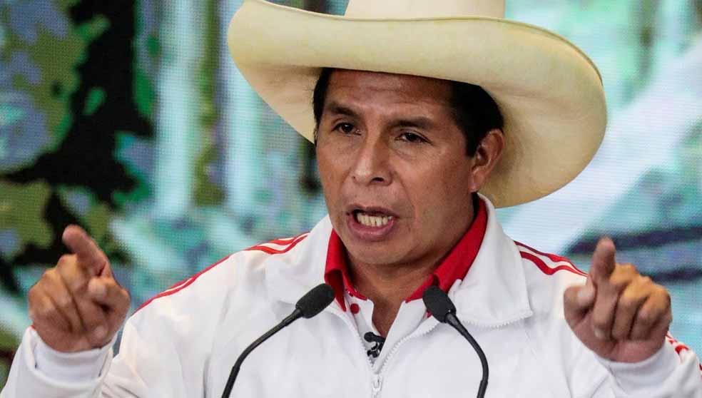 Saiba quem é Castillo, que enfrentou fascismo de Fujimori e venceu
