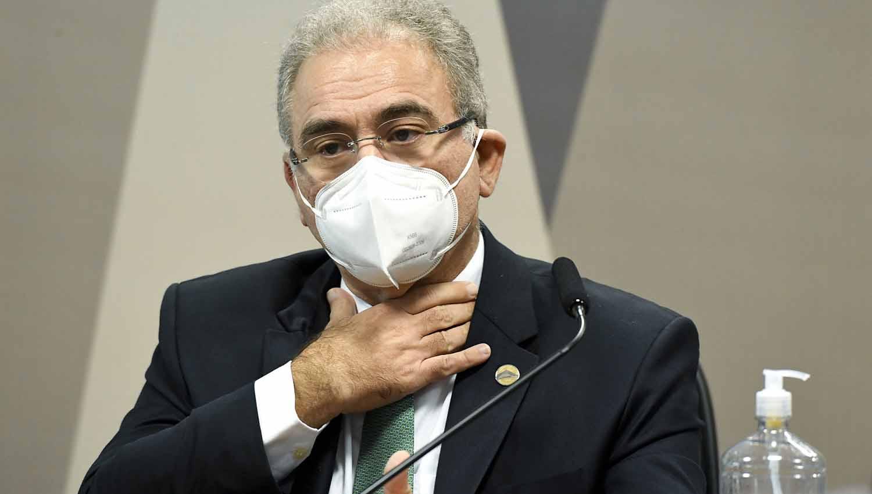 Ministro da Saúde não leu bulas de vacinas