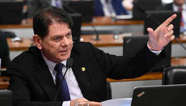 Senado aprova projeto que protege brasileiros de superendividamento