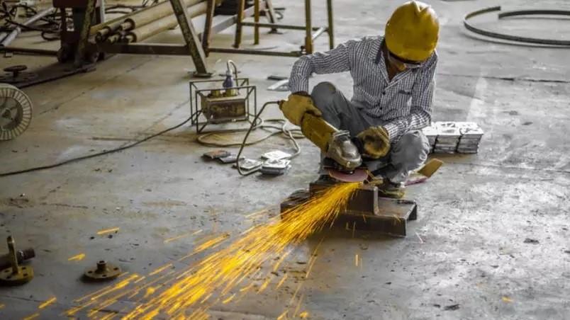 Tributação mais alta para indústria é erro econômico e social, diz CNI