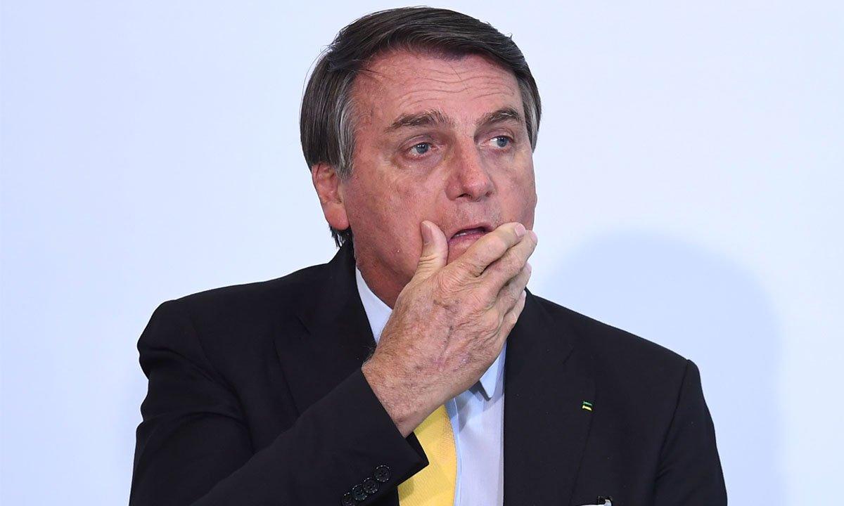 Senadores apresentam notícia-crime contra Bolsonaro