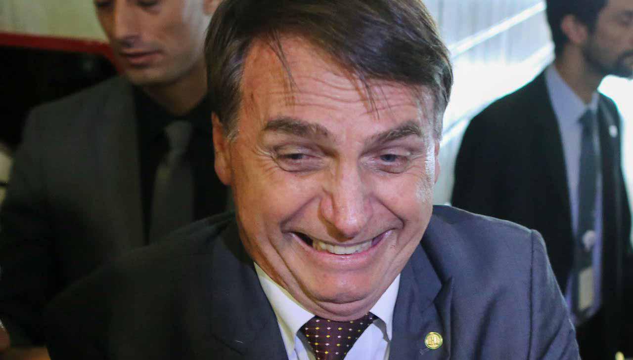 Site contabiliza cagadas de Bolsonaro