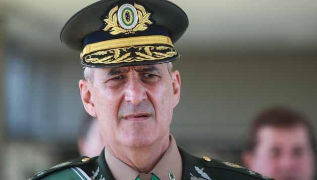 Centrão pede 'cabeça' de general Ramos para 'azeitar máquina' de Bolsonaro