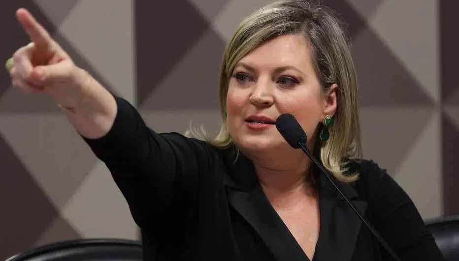Joice Hasselmann anuncia saída do PSL por ser contra 'prostituição'
