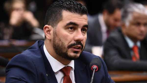 Luis Miranda diz que vai derrubar a República