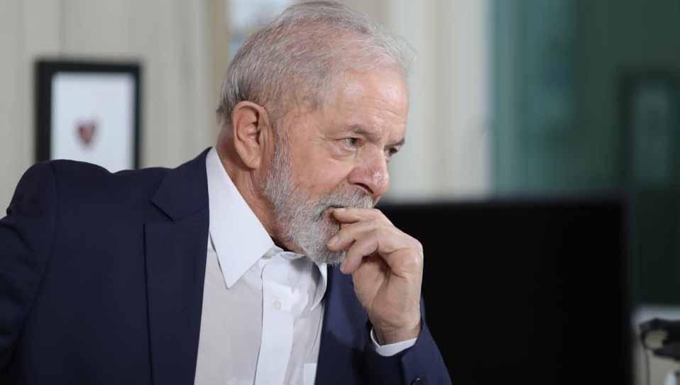 Internautas cobram sumiço de Lula