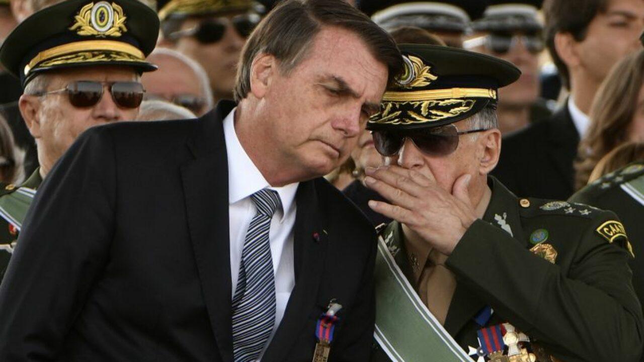 Bolsonaro obedece ao Partido Militar
