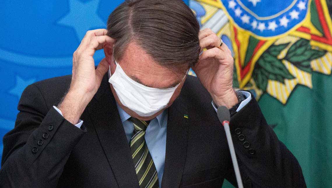 Bolsonaro agiu contra vacinas