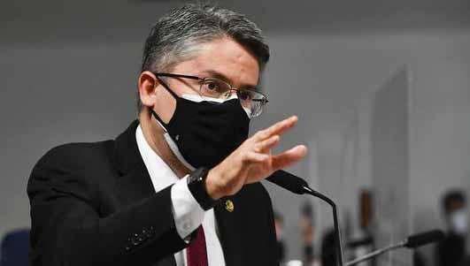 Senador pede prisão em flagrante