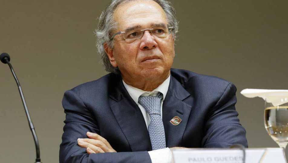 Bolsonaro privatiza ministério de Paulo Guedes
