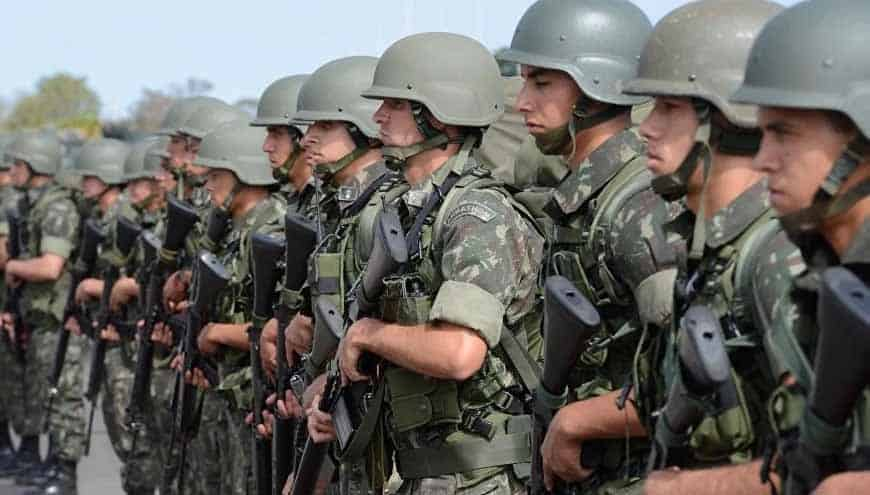 Filhas de militares recebem pensão
