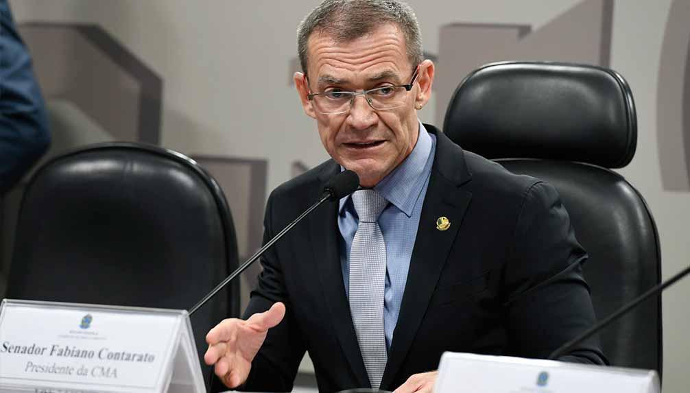 Senador Fabiano Contarato está entre Ciro e Lula