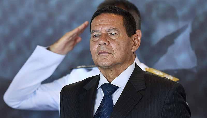 Mourão admite conversar sobre o impeachment